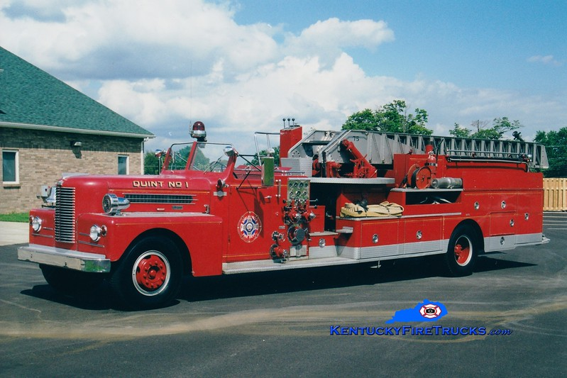 <center> RETIRED <br> Shelbyville  Quint 1  <br> 1958 Pirsch 1000/200/75' <br> Greg Stapleton photo </center>