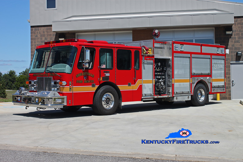 <center> RETIRED <br> Shelbyville  Engine 21  <br> x-Cincinatti-Northern KY Airport <br> 1994 Simon-Duplex D-9400/Ferrara 1500/500 <br> Kent Parrish photo </center>