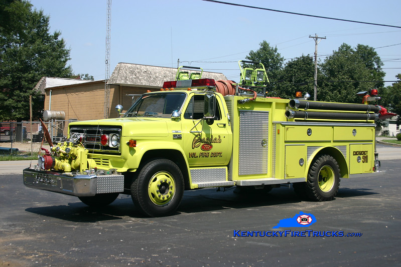<center> Bagdad  Rescue 7782  <br> x-Engine 7732 <br> 1976 GMC 6500/E-One 1000/750 <br> Kent Parrish photo </center>
