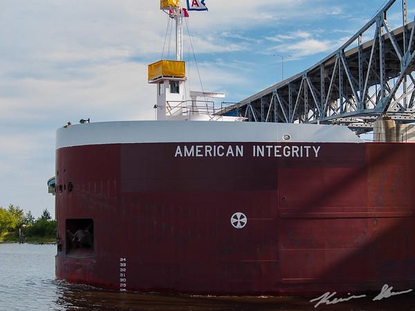 The American Integrity departs SMET and heads under the Blatnik Brdige