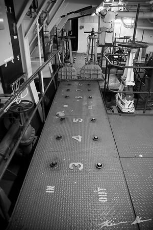 Ballast tank control knobs - American Victory