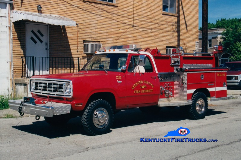 <center> RETIRED <br> Spencer County Engine 5723  <br> x-Jeffersontown, KY <br> 1975 Dodge W300 4x4/Saulsbury 400/250 <br> Greg Stapleton photo </center>
