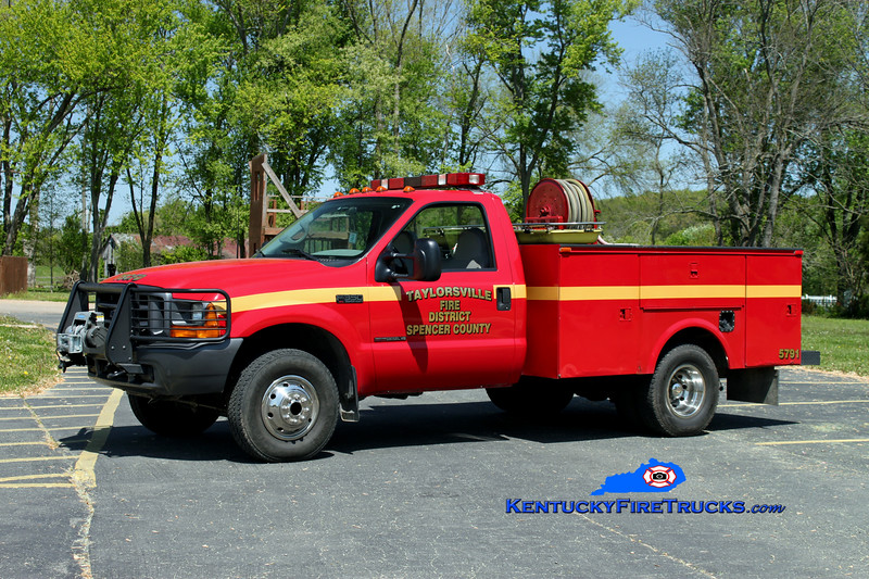 <center> Taylorsville-Spencer County Utility 5791  <br> 2000 Ford F-350 4x4/Scherer Truck Bodies/CET 250/250 <br> *Skid removed in 2014 and placed on new Brush 5771 <br> Kent Parrish photo </center>
