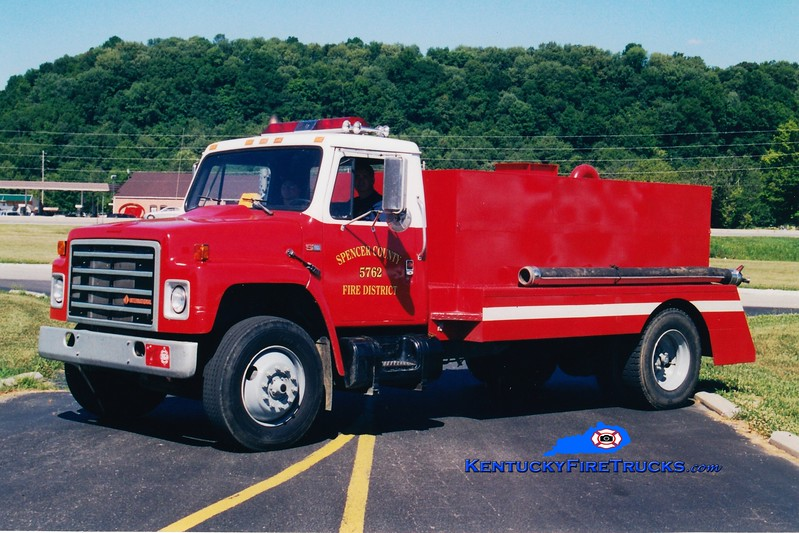 <center> RETIRED <br> Taylorsville-Spencer County Tanker 5762  <br> 1985 International S-1900/Cleveland 0/1800  <br> Greg Stapleton photo </center>