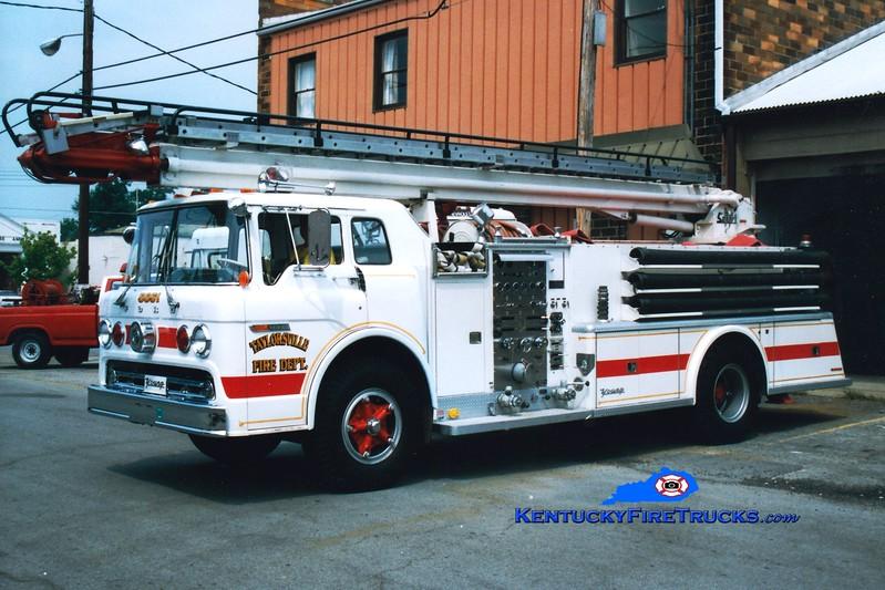 <center> RETIRED <br> Taylorsville Ladder 5651  <br> x-Wayland, NY <br> 1972 Ford C-900/Young 1000/500/50' Telesqurt  <br> Greg Stapleton photo </center>