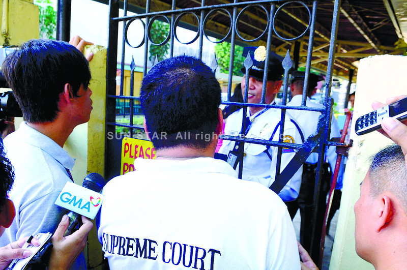 Court sheriff barred at STC