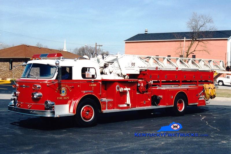 <center> RETIRED <br> Campbellsville  Ladder 1 <br> x-Elkhart, IN <br> 1967 American LaFrance 900 Series 100'  <br> Greg Stapleton photo </center>