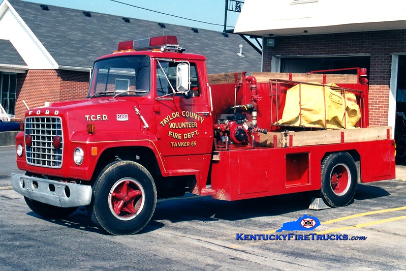<center> RETIRED <br> Taylor County Tanker 65  <br> 1976 Ford LN800/Local 250/1000 <br> Greg Stapleton photo </center>