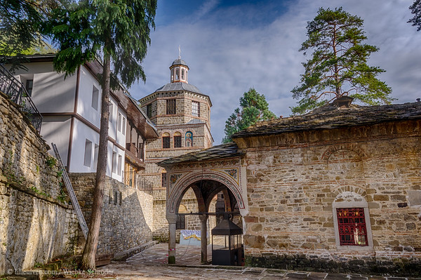 Troyan Monastery - Off the beaten track - Visiting a Monastery, an artist and a cave