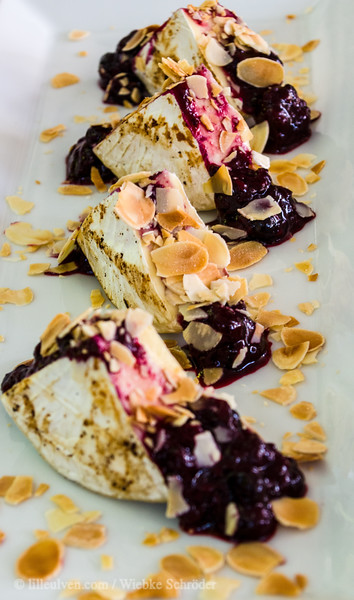 Camenbert with almonds and berries