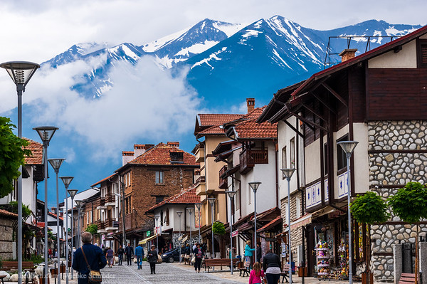 Bansko and the Pirin Mountains in the background