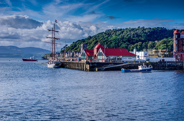 North Pier in Oban - HDR (HDR)