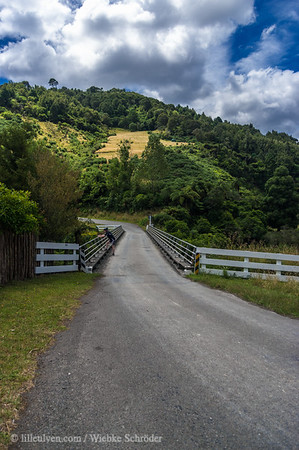 Following the Whanganui River Valley toward Matahiwi