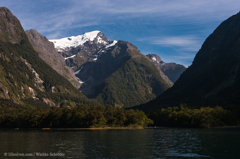 """<span class=""""wsc_subtitle"""">Fiordland National Park, Milford Sound, Southland, New Zealand</span>   <span class=""""wsc_subtitle_small""""> uuid=""""A87BEDAF-DC01-4297-A8D3-F3817B0958DE"""" id=""""New Zealand lilleulven.com 20130127_102742_NZ_Southland_Milford Sound__www.LilleUlven.com.DNG """"</span>"""