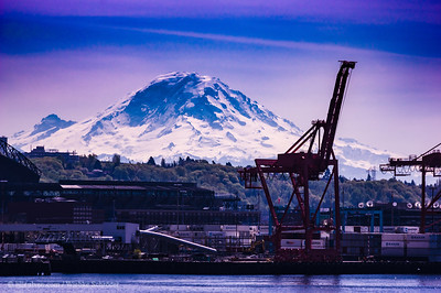 Mount Rainier from Pier 66
