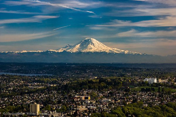 Mount Rainier from the Sky Observatory of Seattle