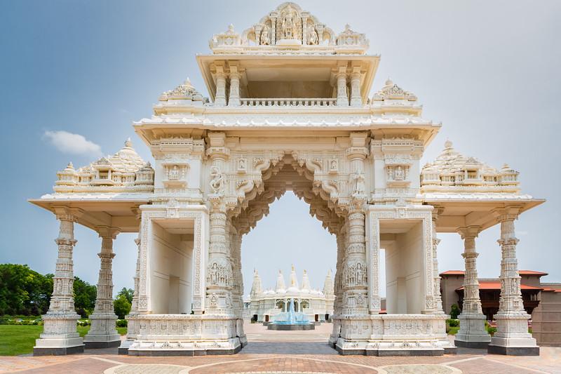 Magnificent Hindu Swaminarayan BAPS Temple in Chicago, USA