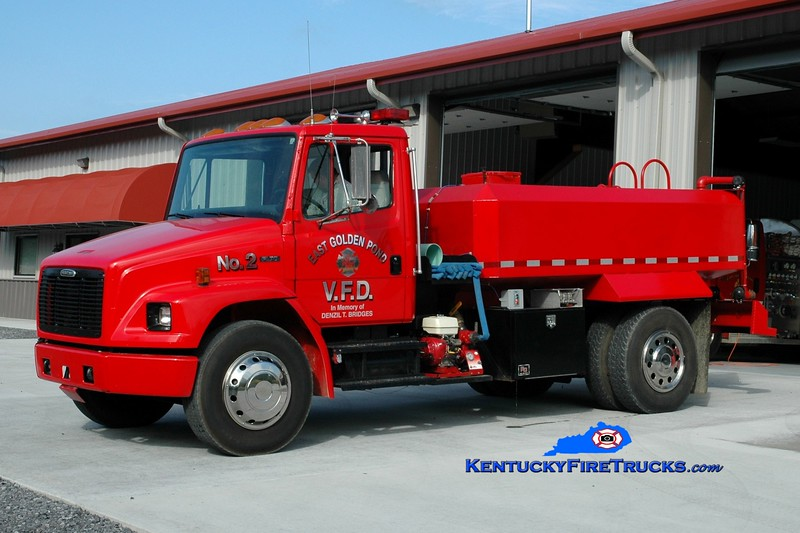 <center> RETIRED <br> East Golden Pond  Tanker 2 <br> 1996 Freightliner FL70/Local 250/2000 <br> Greg Stapleton photo </center>