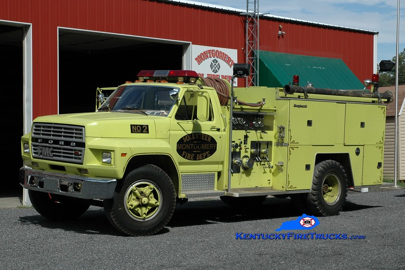 <center> RETIRED <br> Montgomery  Engine 3 <br> x-Trigg-Lyon, KY  <br> 1983 Ford F-800/FMC 750/750 <br> Greg Stapleton photo </center>