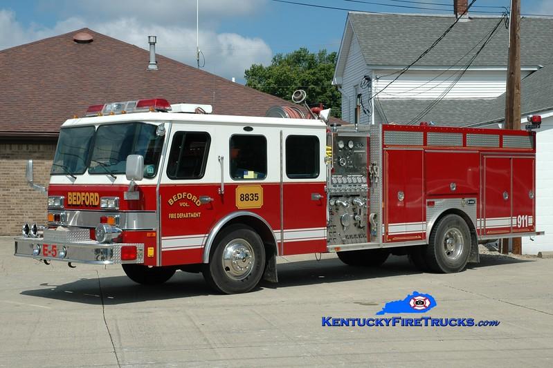 <center> Bedford  Engine 8835 <br> 1992 E-One Hush 1500/1000 <br> Greg Stapleton photo <br> </center>