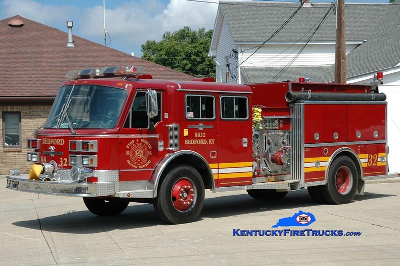<center> Bedford  Engine 8832  <br> x-Orland, IL <br> 1971/1989 American LaFrance Century 2000 1500/750 <br> Greg Stapleton photo </center>