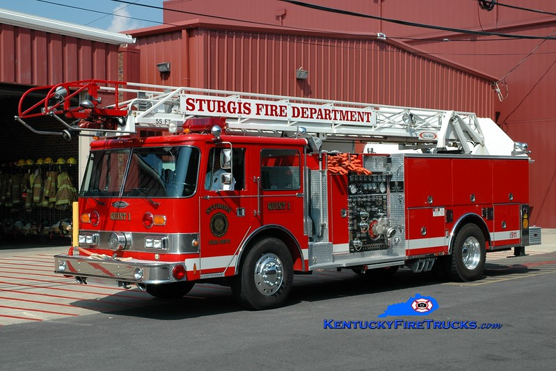 <center> Sturgis  Quint 1 <br> x-Emeryville, CA <br> 1987 Pierce Arrow 2000/500/55' <br> Greg Stapleton photo </center>