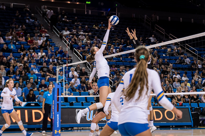 UCLA Volleyball vs. Washington @ Pauley Pavilion