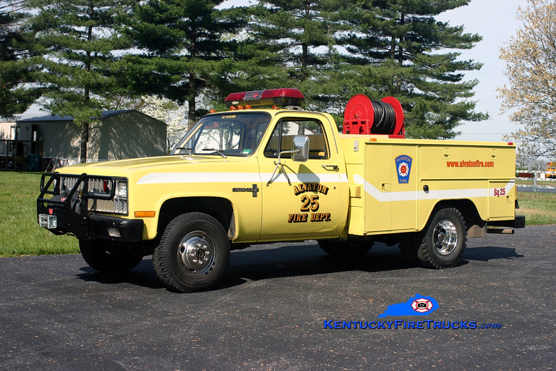 <center> RETIRED <br> Alvaton  Squad 25 <br> 1981 Chevy C30 4x4/Stewarts 250/250 <br> Kent Parrish photo </center>