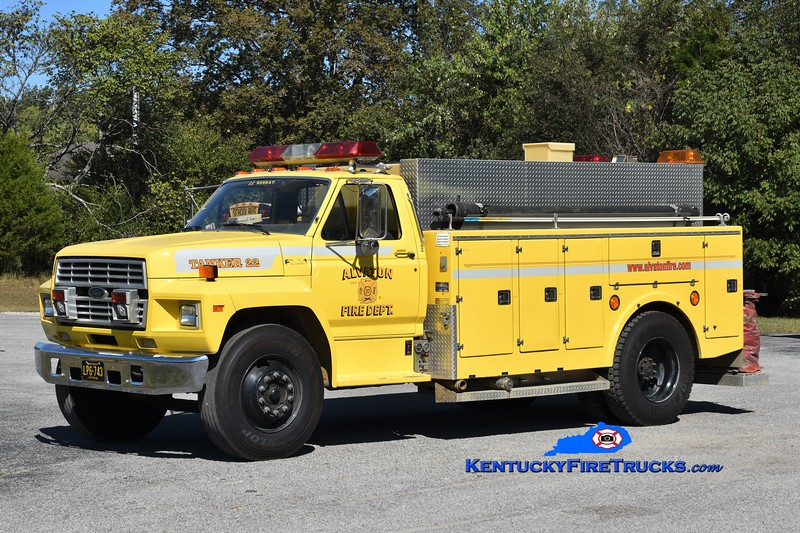 Alvaton Tanker 22<br /> x-Tanker 23<br /> 1988 Ford F-800/Stewarts 250/1500<br /> Greg Stapleton photo