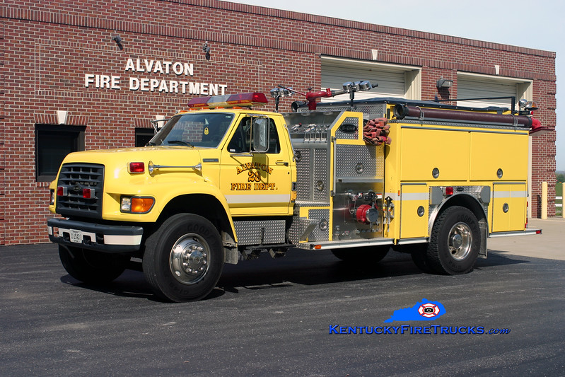 <center> RETIRED <br> Alvaton  Engine 28 <br> 1997 Ford F-800/E-One 1250/1000 <br> Kent Parrish photo </center>