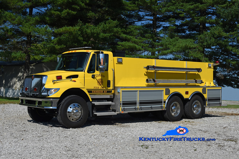 Alvaton Tanker 23 <br /> 2003 International 7400/2020 Missouri Fire Apparatus 500/3000<br /> Kent Parrish photo