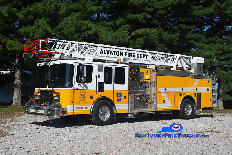 Alvaton  Quint 23<br /> x-West Deer Twp FC #3, PA<br /> 1996 HME 1871/Smeal 1500/300/75'<br /> Kent Parrish photo