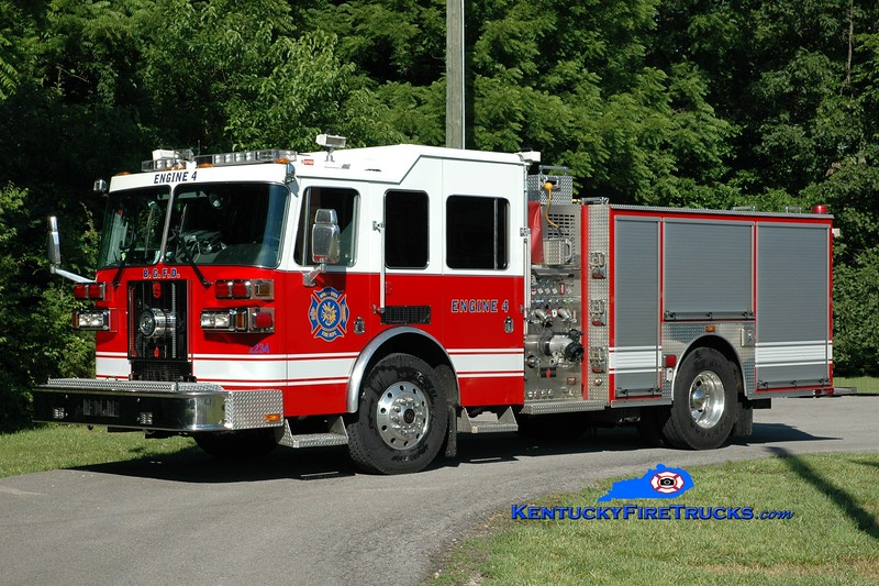 <center> RETIRED <br> Bowling Green  Engine 4 <br> 2008 Sutphen Shield 1500/500/30 <br> Greg Stapleton photo </center>