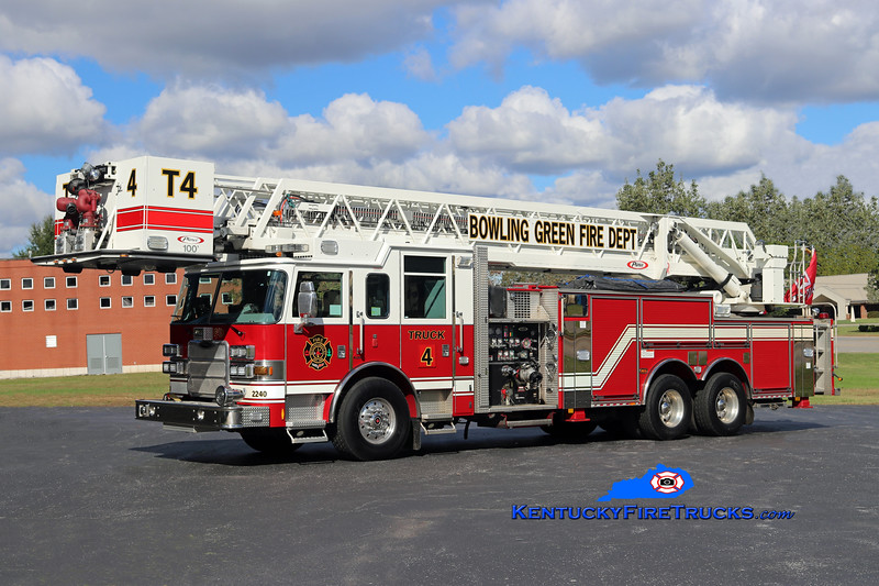 REASSIGNED <br /> Bowling Green  Truck 4<br /> 2010 Pierce Arrow XT 2000/300/100'<br /> Kent Parrish photo