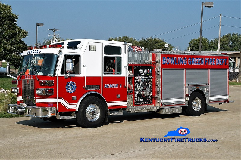 RETIRED <br /> Bowling Green  Rescue 5<br /> x-Rescue 3<br /> 2005 Sutphen Monarch 1500/500/30<br /> Greg Stapleton photo