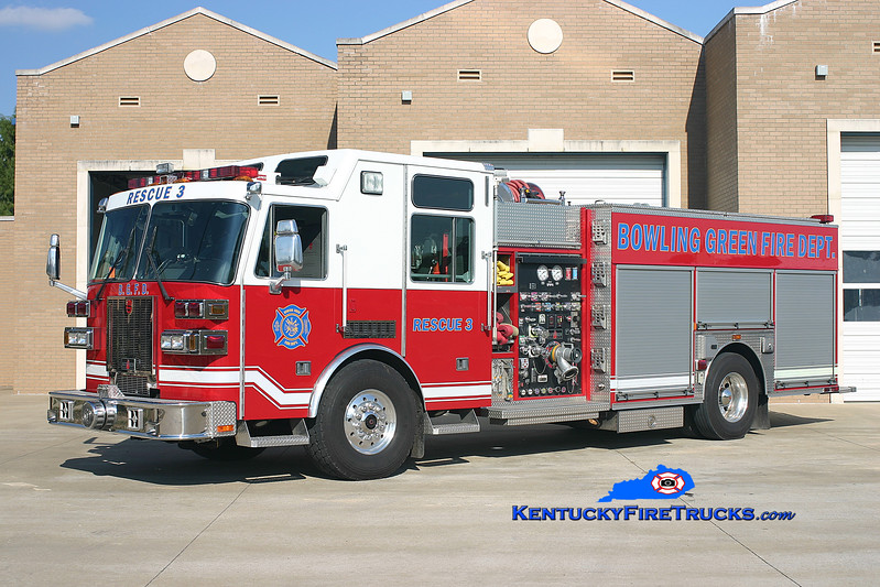<center> RETIRED <br> Bowling Green  Rescue 3 <br> 2005 Sutphen Monarch 1500/500/30 <br> Kent Parrish photo </center>