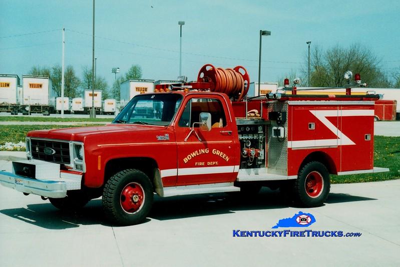 <center> RETIRED <br> Bowling Green   Rescue 1  <br> 1979 GMC 4x4/Pierce 300/250 <br> Greg Stapleton photo </center>