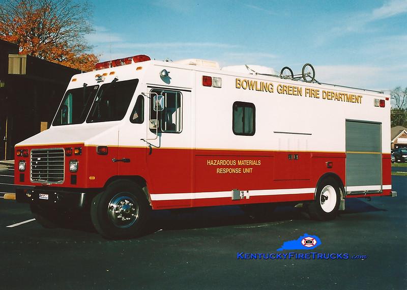 <center> RETIRED <br> Bowling Green Hazmat Unit <br>   1995 International/Utilimaster <br> Kent Parrish photo </center>