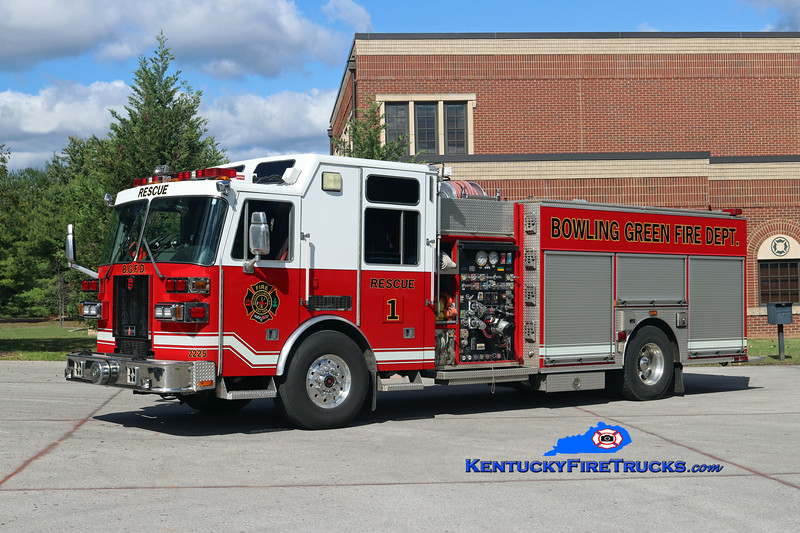 RETIRED <br /> Bowling Green  Rescue 1<br /> x-Rescue 5<br /> 2005 Sutphen Monarch 1500/500/30<br /> Kent Parrish photo