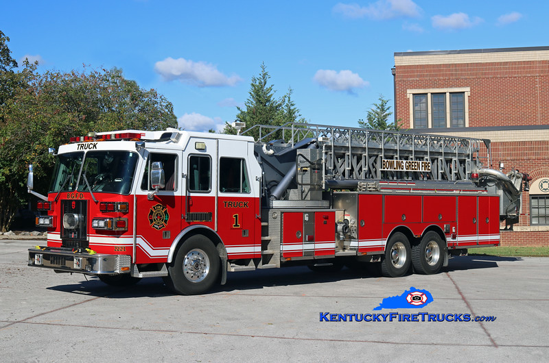 RESERVE <br /> Bowling Green  Truck 1<br /> 2003 Sutphen 0/0/95'<br /> Kent Parrish photo