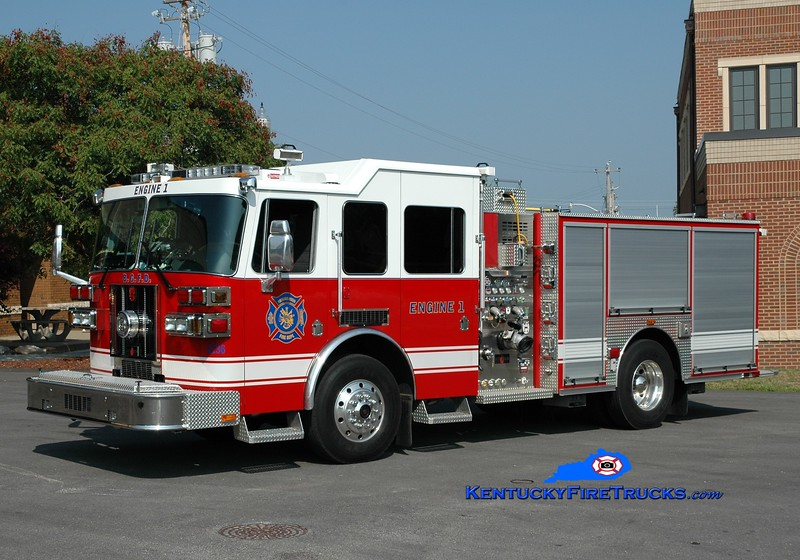 <center> RETIRED <br> Bowling Green  Engine 1 <br> x-Engine 2 <br> 2008 Sutphen Shield 1500/500/30 <br> Greg Stapleton photo </center>