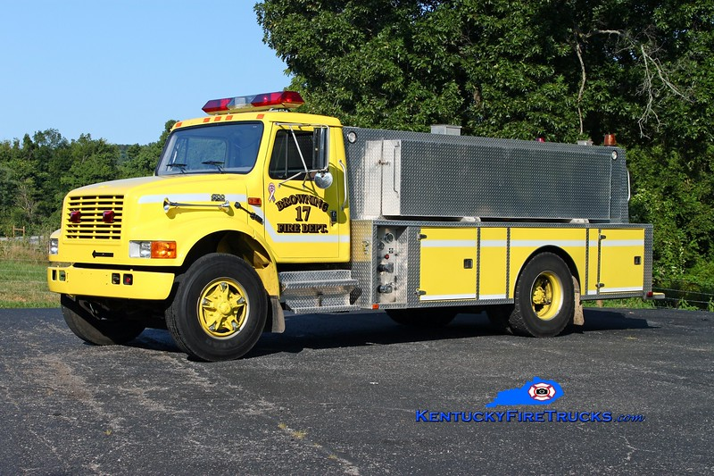 <center> Browning  Tanker 17 <br> 1993 International 4700/Wimpee's Welding 250/1800 <br> Kent Parrish photo </center>