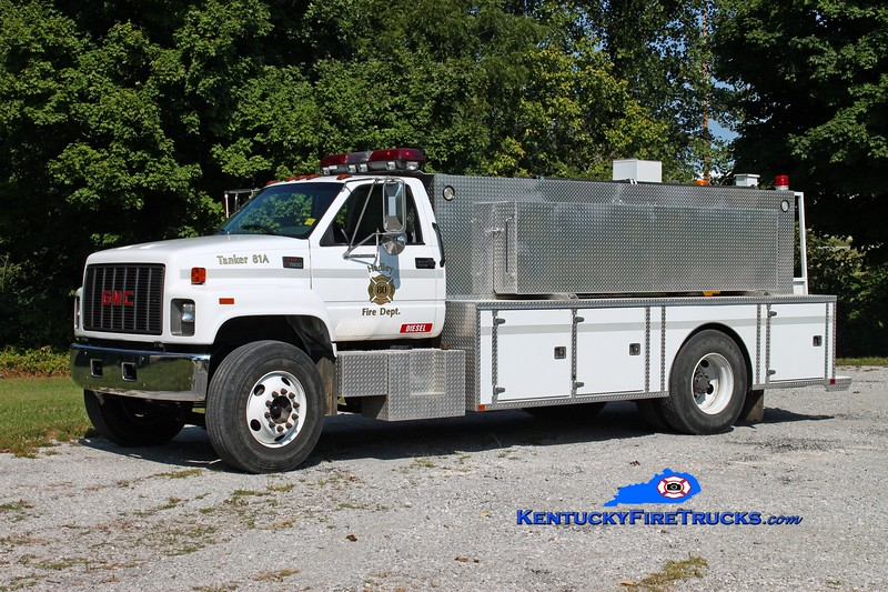 <center> Hadley  Tanker 81A <br> 1998 GMC C7500/Wimpee's Welding 250/1850 <br> Kent Parrish photo </center>