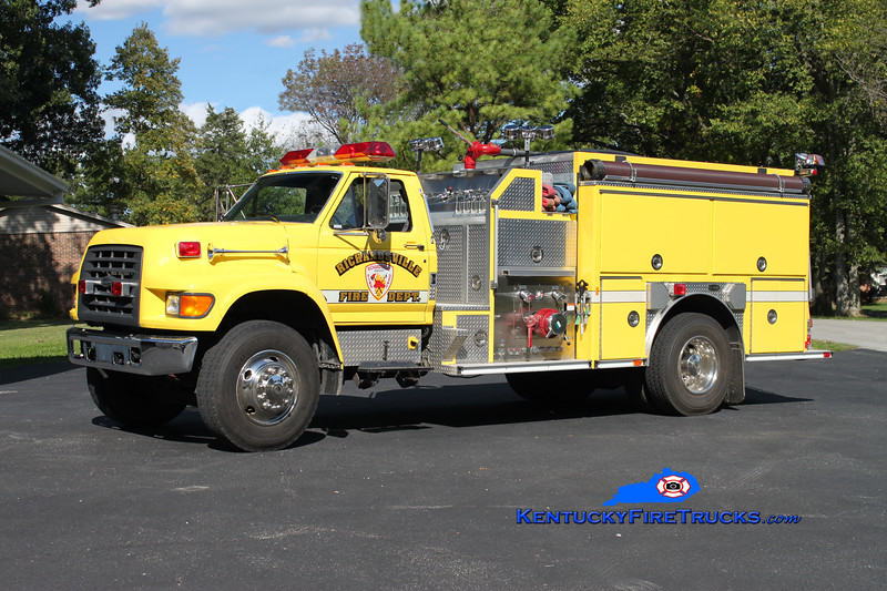 <center> REASSIGNED <br> Richardsville  Engine 48 <br> 1997 Ford F-800/E-One 1250/1000 <br> Kent Parrish photo </center>