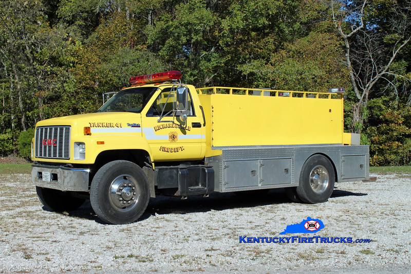 <center> RETIRED <br> Richardsville  Tanker 41 <br> 1990 GMC Topkick/Wimpee's Welding 250/2000 <br> Kent Parrish photo </center>