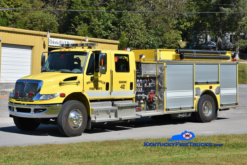 Richardsville  Engine 42<br /> x-Engine 40<br /> 2011 International 4400/Pierce 1250/1000<br /> Greg Stapleton photo