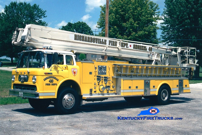 <center> RETIRED <br> Richardsville  Snorkel 40 <br> x-Glasgow, KY <br> 1968 Ford C/Pierce 1000/250/65' Snorkel  <br> Greg Stapleton photo </center>