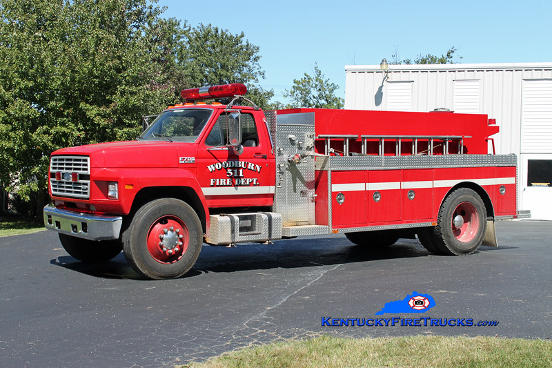 <center> Woodburn  Tanker 511 <br> 1990 Ford F-700/Bluegrass 250/1200 <br> Kent Parrish photo </center>
