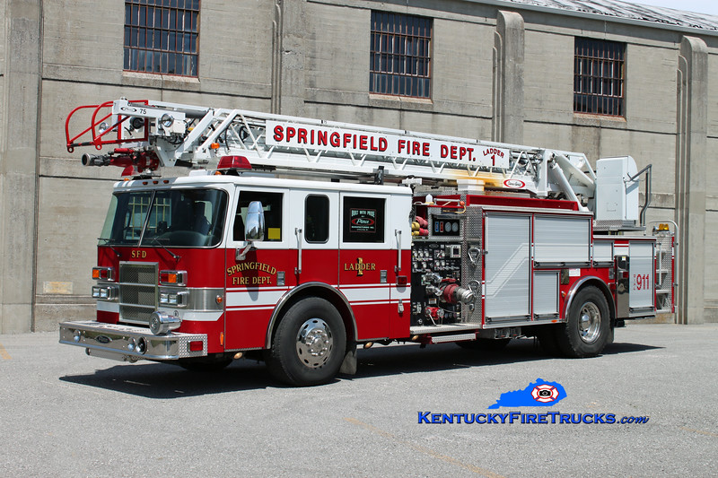 <center> Springfield  Ladder 1  <br> 2002 Pierce Dash 2000/400/20/75' <br> Kent Parrish photo </center>