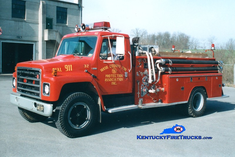 <center> RETIRED <br> Washington County  Engine 32  <br> 1981 International S/1956 FWD 750/700 <br> Greg Stapleton photo </center>